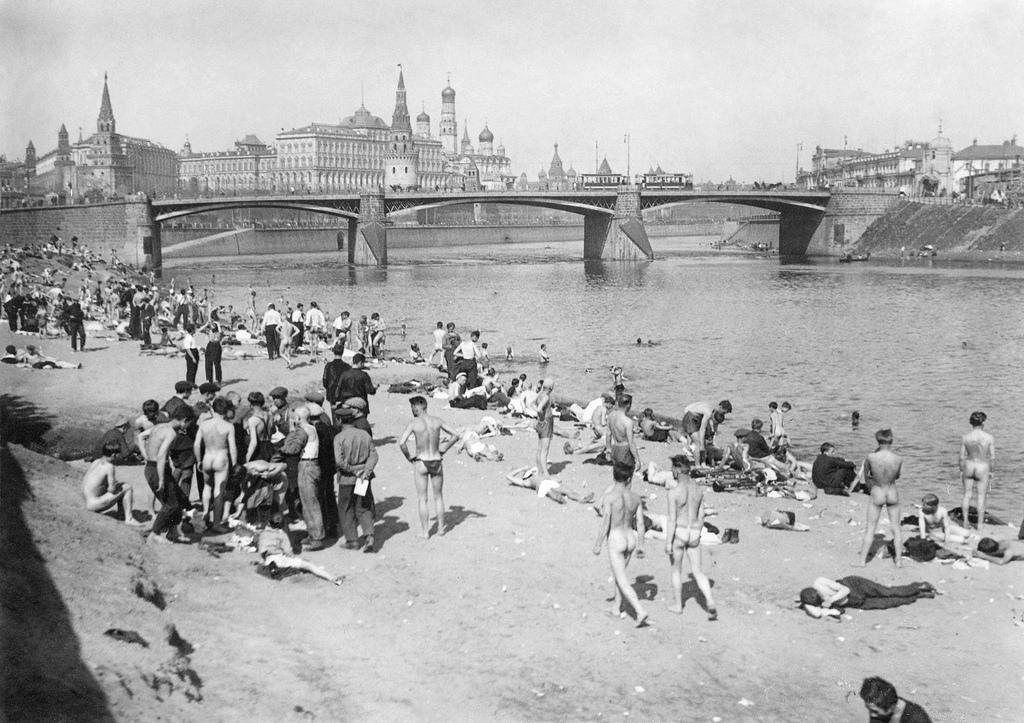 1929. Пляж на Москве-реке