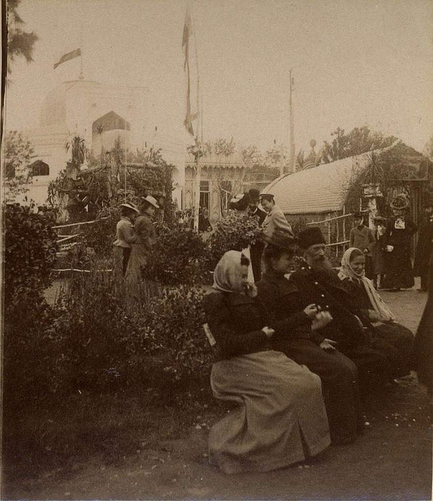 Павильон «Флора» и город Баку