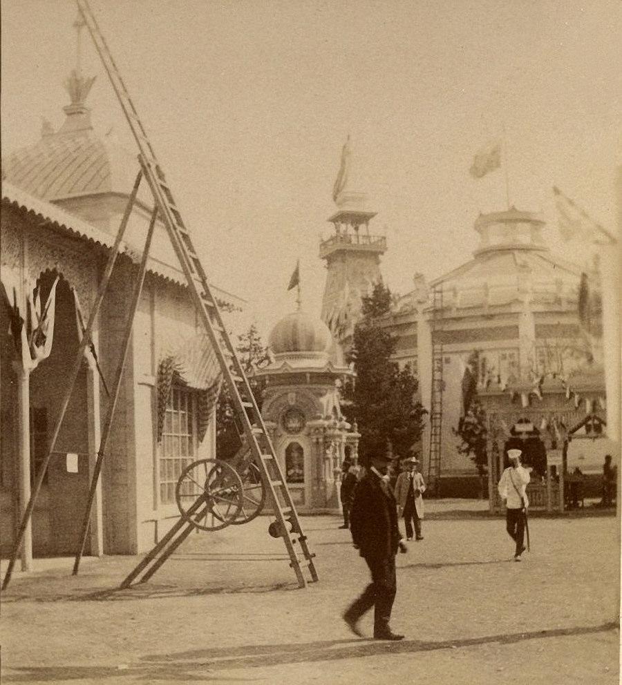 Павильон Почто-телеграфа и пожарная лестница Густава Листа