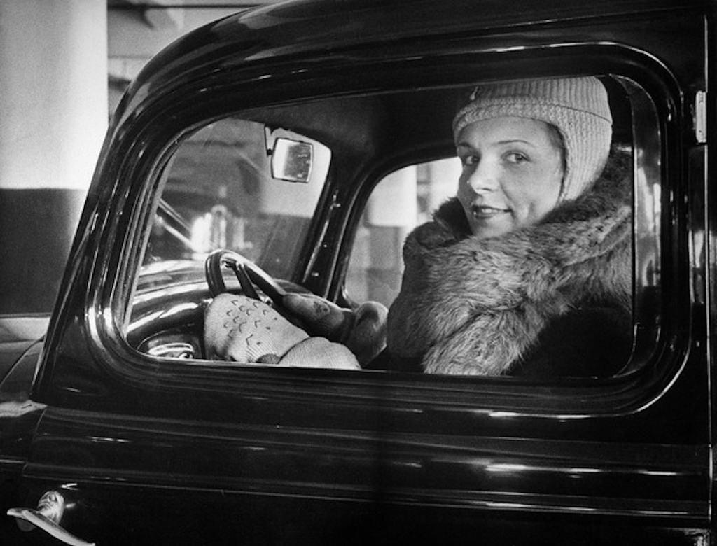1930-е. В московском таксопарке