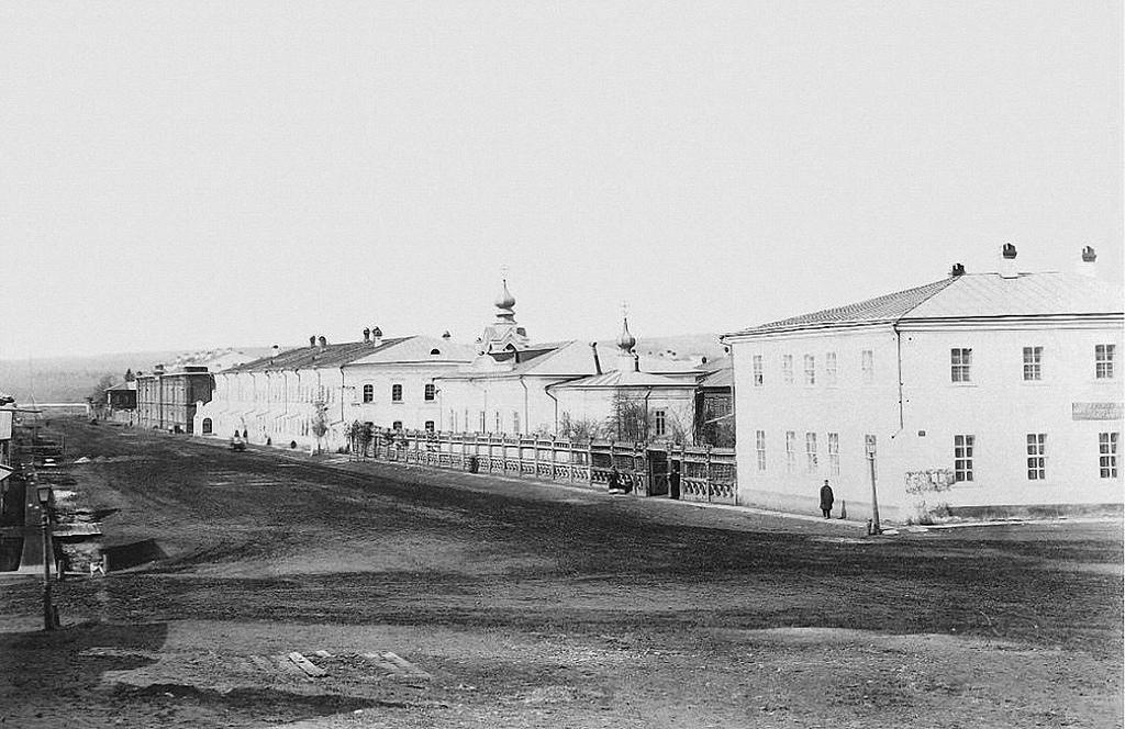 Улица Казарминская
