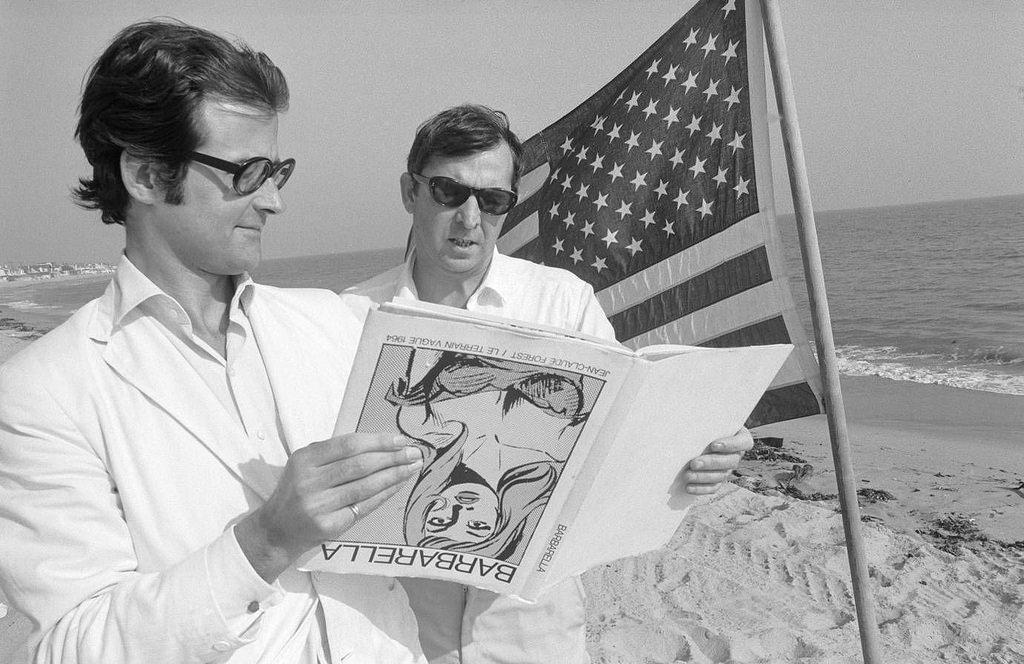 1965. Терри Саузерн и Роберт Фрейзер на пляже в Малибу