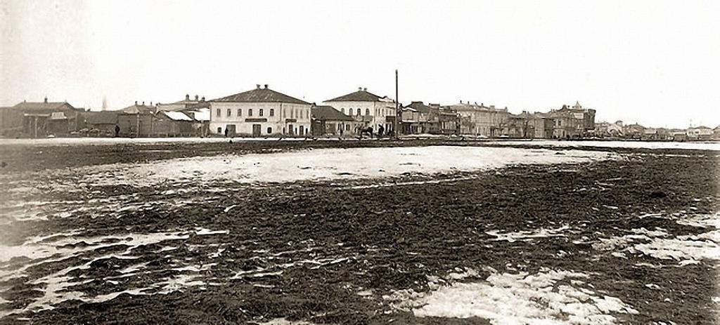 Покровская слобода. На углу Троицкой и Базарной площади. 1904