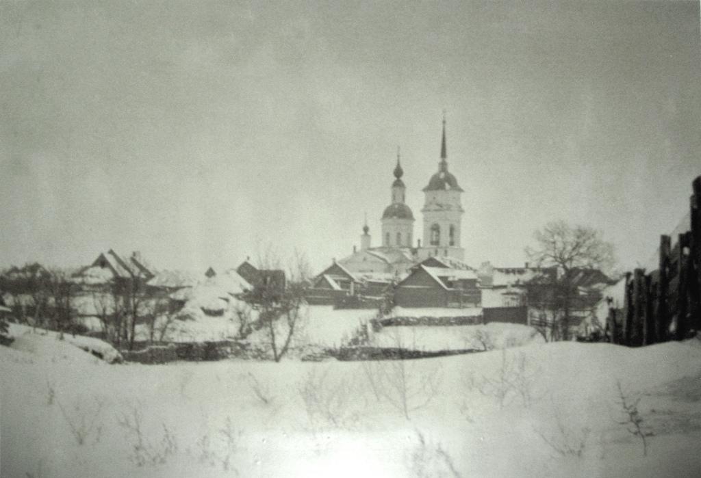 Покровская слобода. Петропавловская церковь до реконструкции. 1890-е годы