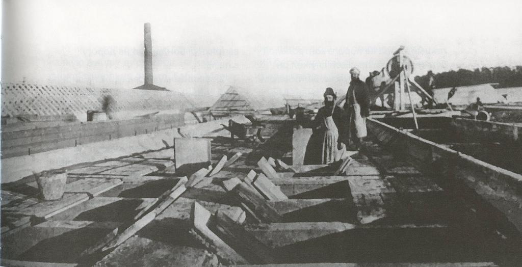 07. Сооружение стеклянных световых фонарей на крыше Механосборочного корпуса