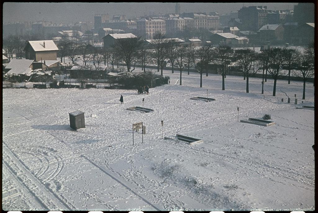 Окопы в снегу у ворот Венсенна