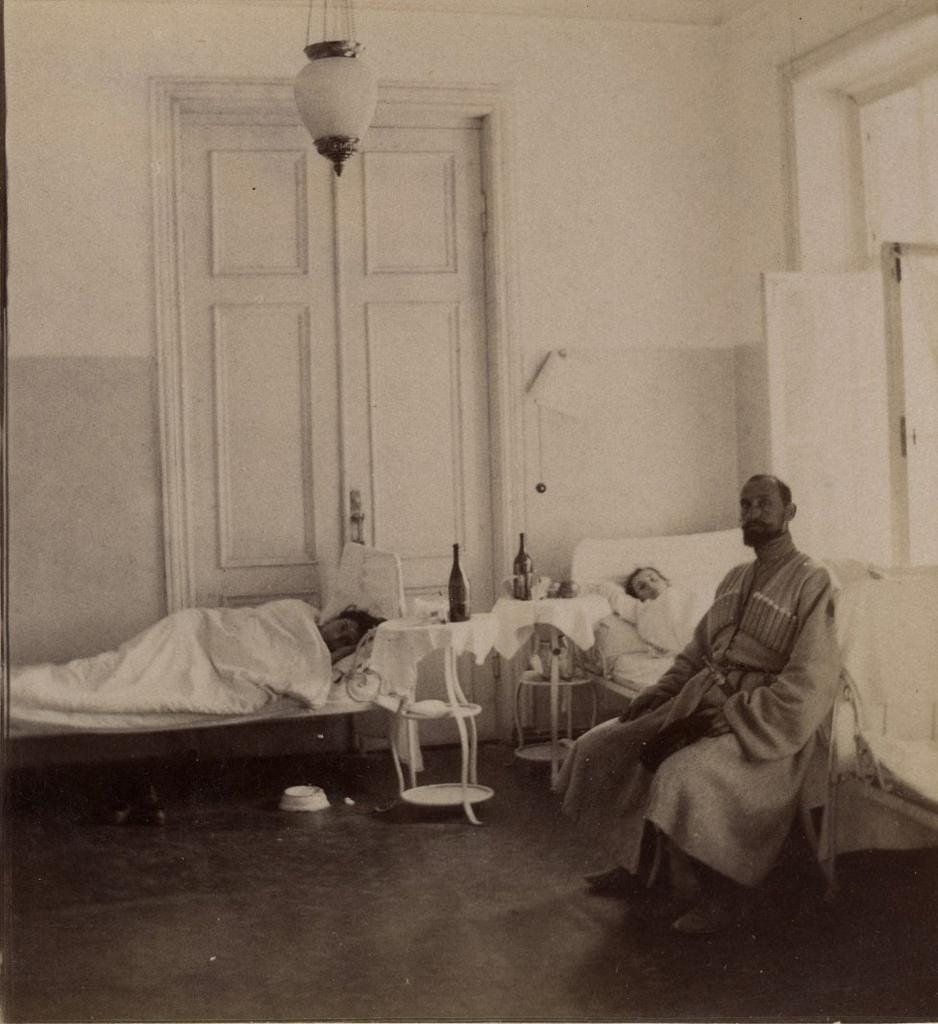 Общая палата женского отделения больницы