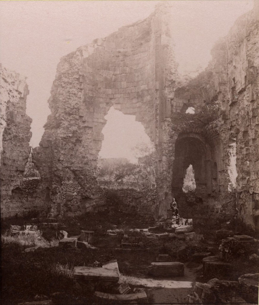 Развалины монастыря Соломона, восточная сторона изнутри