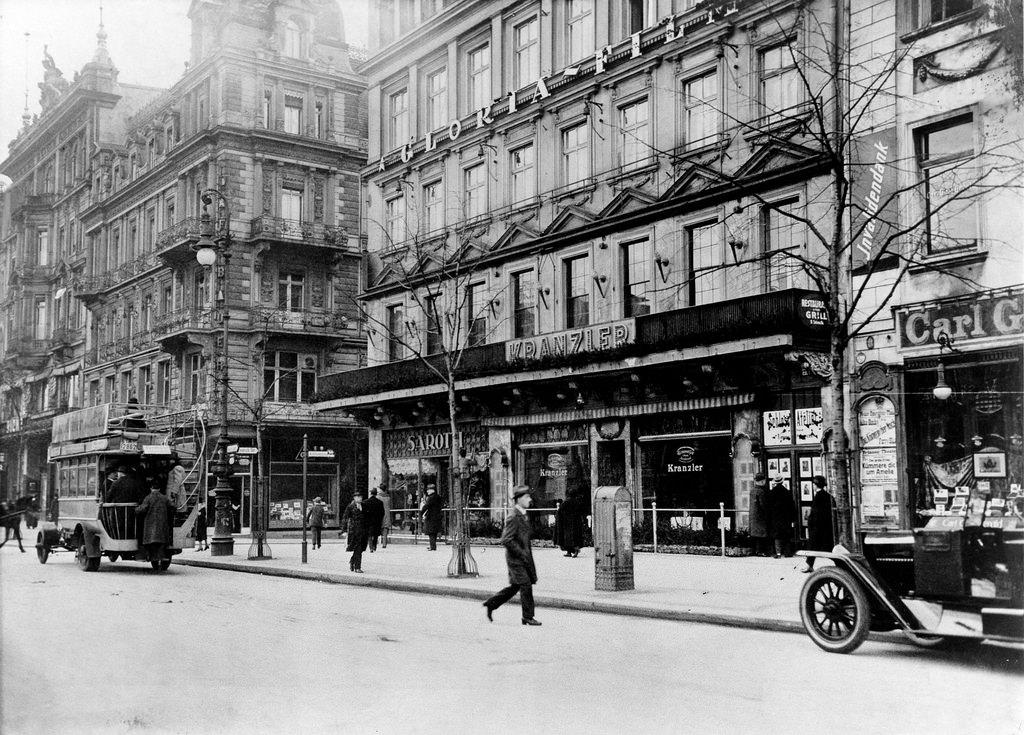 1922. Кафе «Кранцлер»