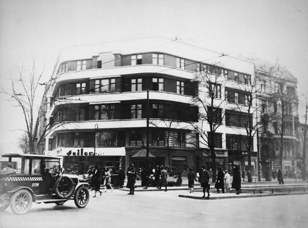 1931. Курфюрстендамм, 211