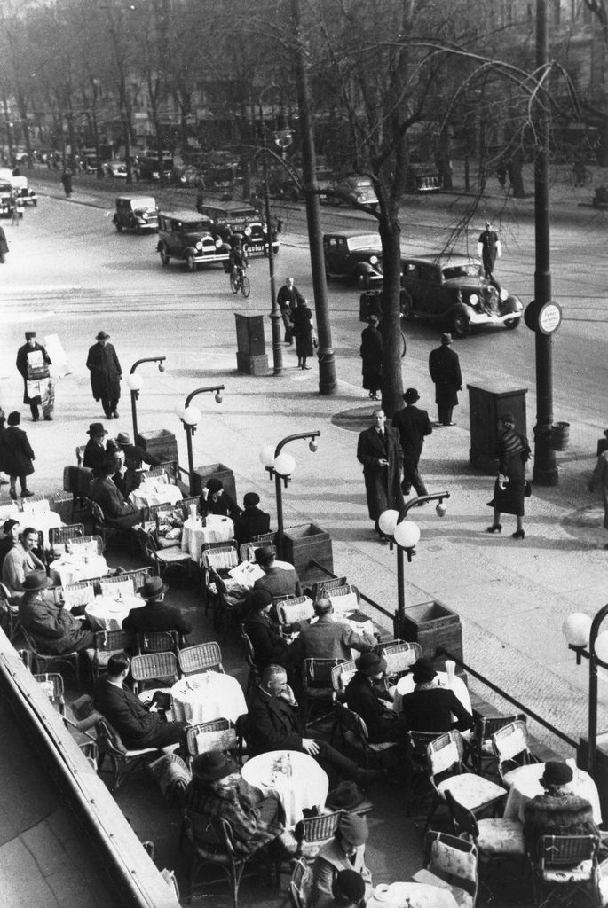 1933. Кафе «Кранцлер» на Курфюрстендамм
