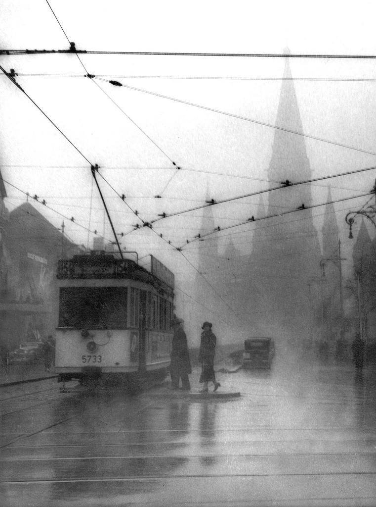 1936. Вид с Харденбергштрассе на Гедехтнискирхе