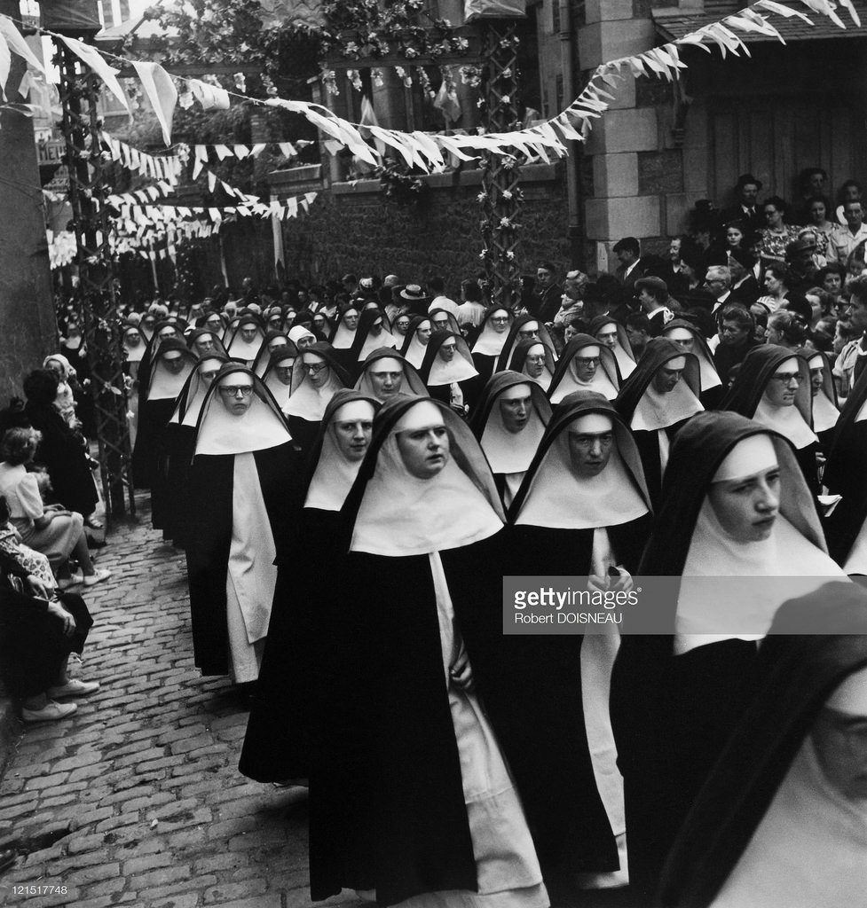 1950. Парад монашек в Ле-Пюи-ан-Веле. 15 августа