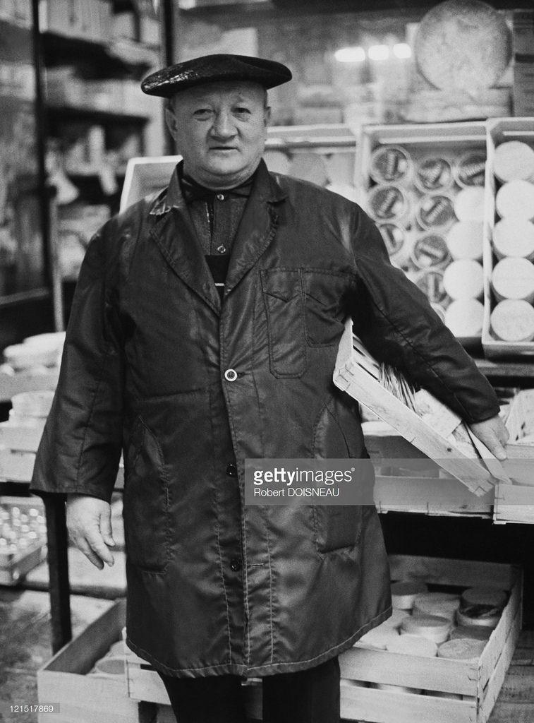 1967. Ле-Аль. Сыродел со своим товаром