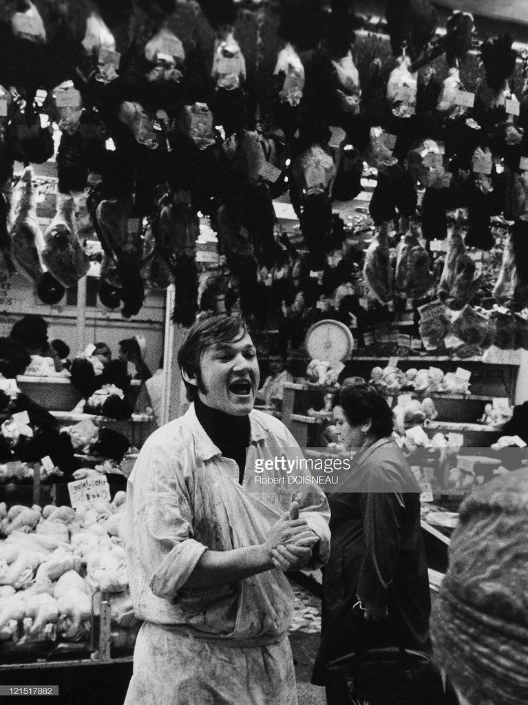 1968. Ле-Аль. Торговец с улицы Монторгей, декабрь