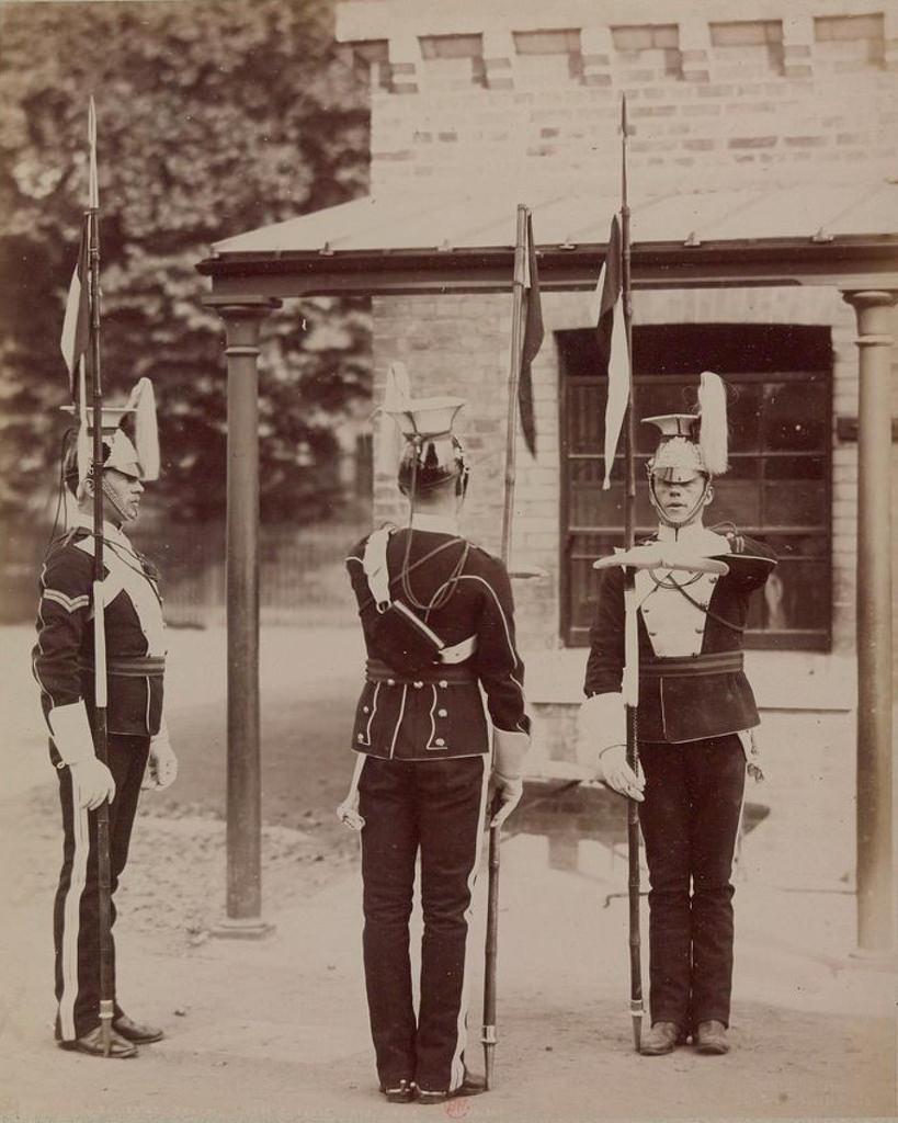 13. Смена караула в 17-ом уланском полку