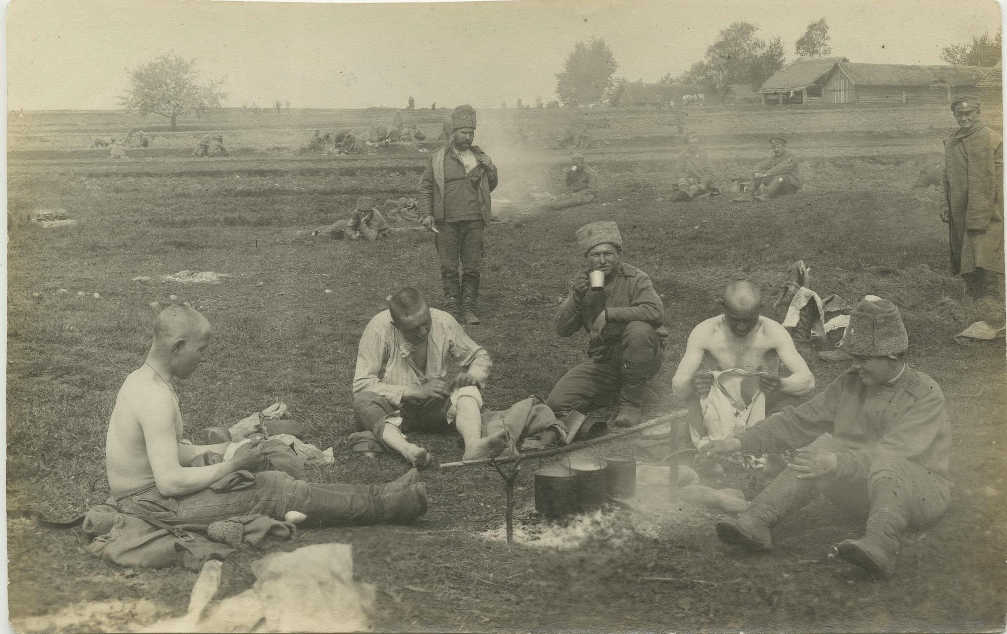 1915. Обед