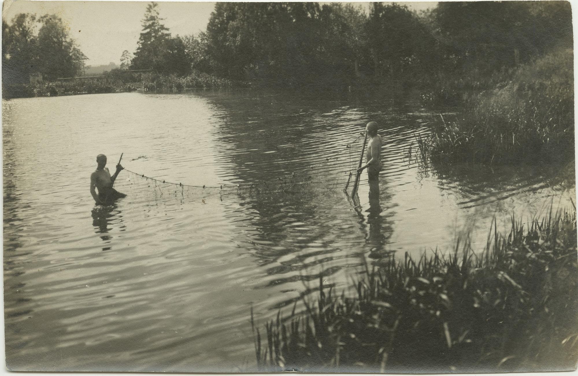 1916. Рыбалка