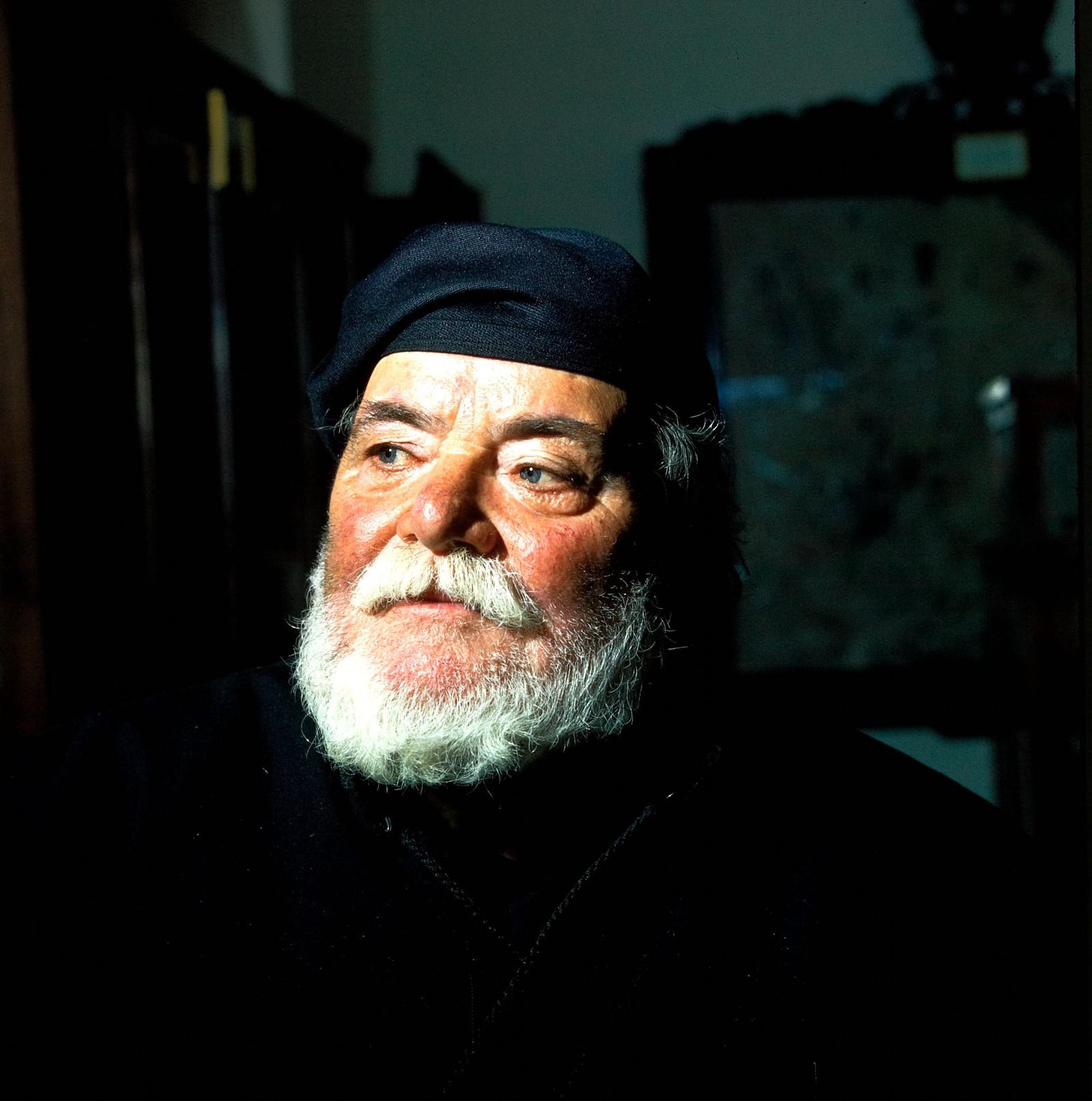 Крит. Монастырь Аркади. Монах