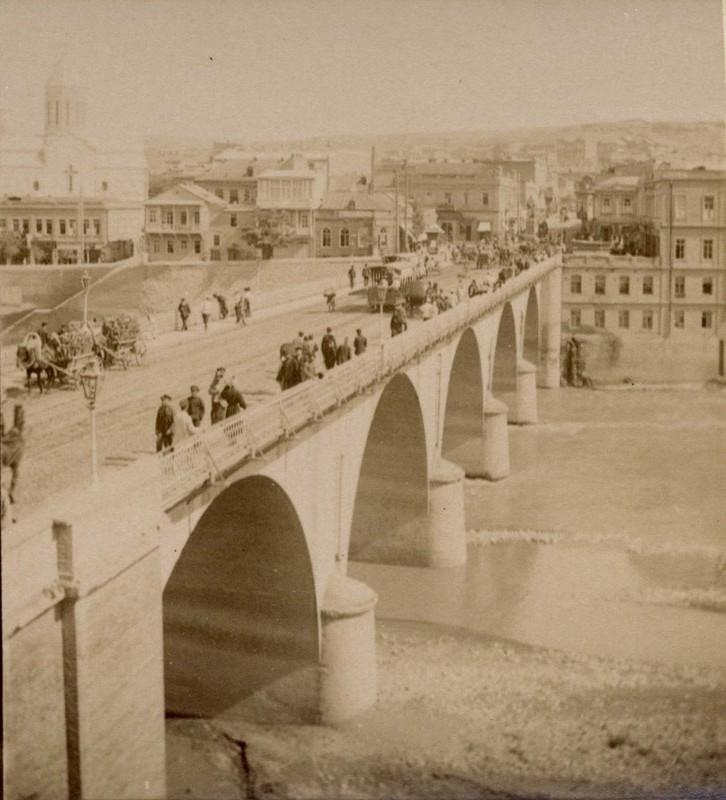 Николаевский мост и монумент Кн. Воронцову