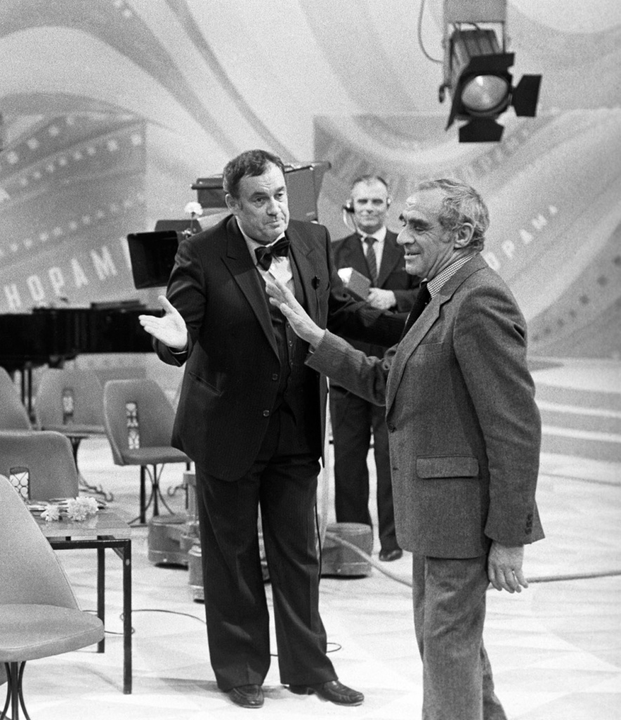 1982. С Зиновием Гердтом во время записи «Кинопанорамы»,  Москва, 19 декабря