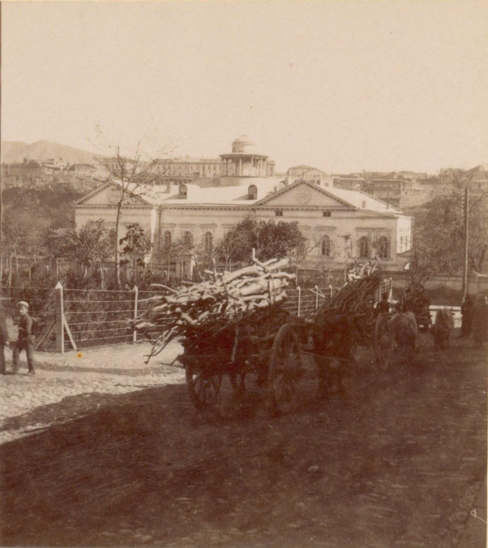 Дом экзарха Грузии и сквер