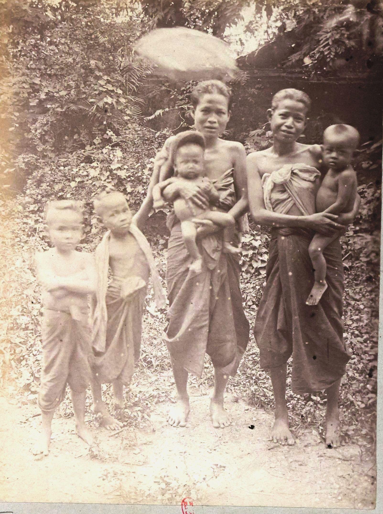 Сиамские женщины