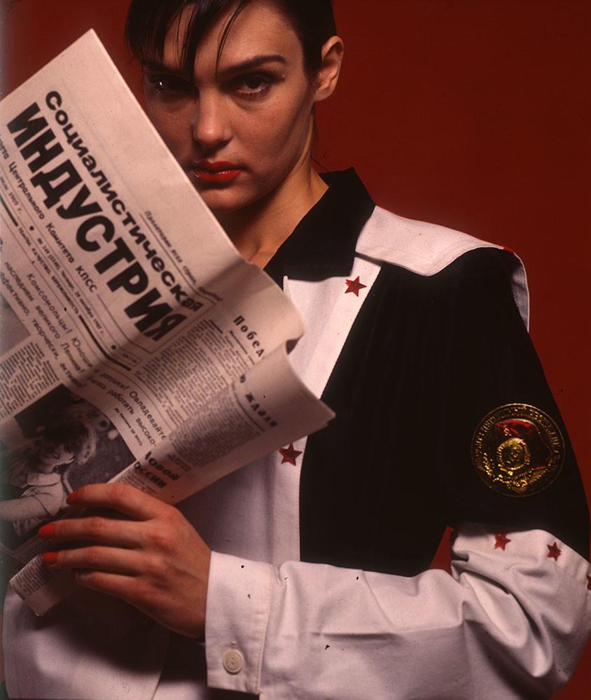 1987. Елена Худякова в костюме из своей коллекции