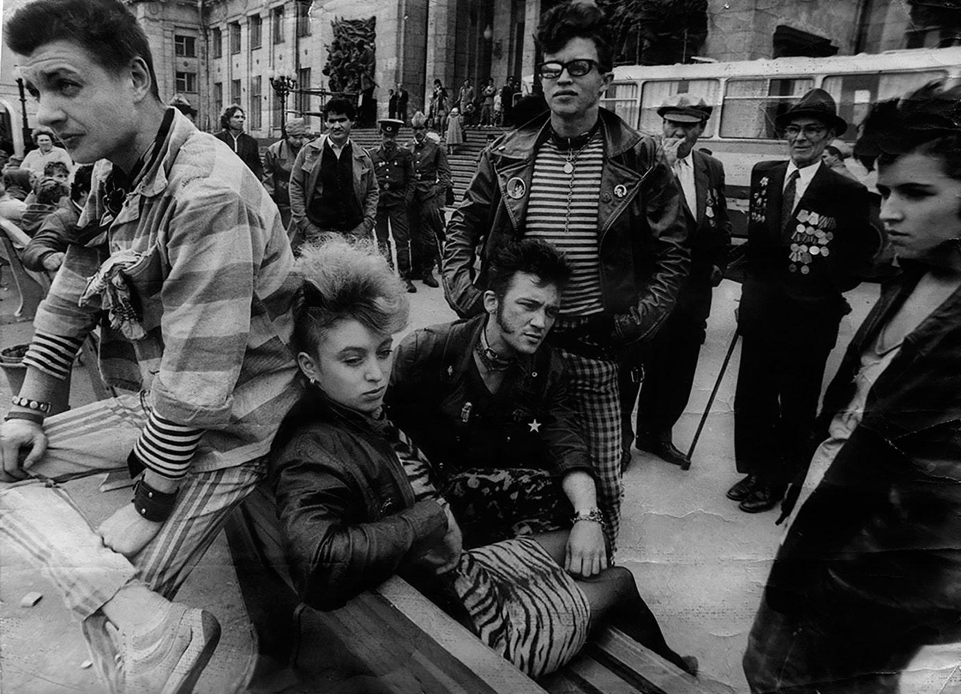 1988. Выезд ленинградских панков на съемки фильма «Без мундира»