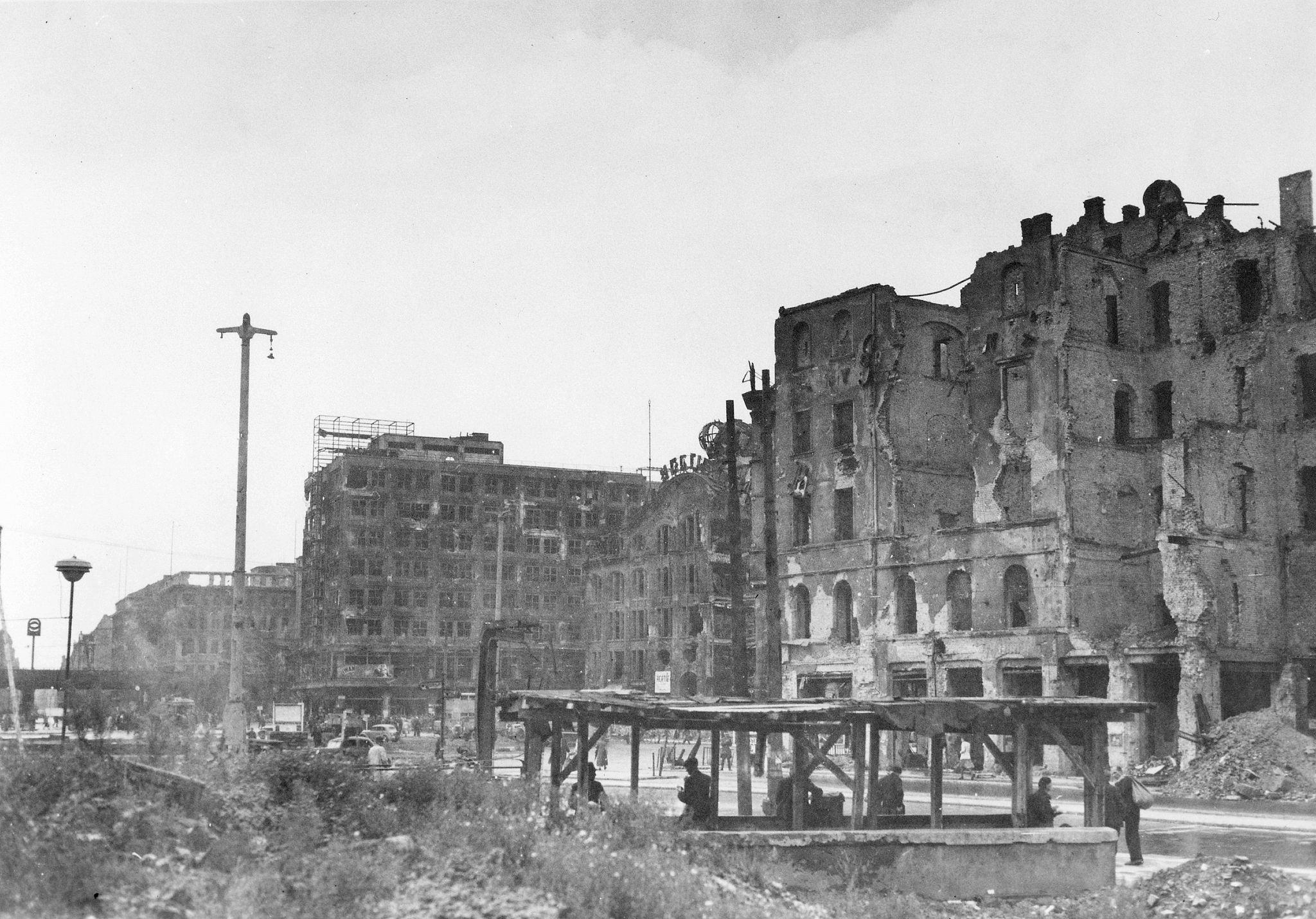 1945. Александерплац