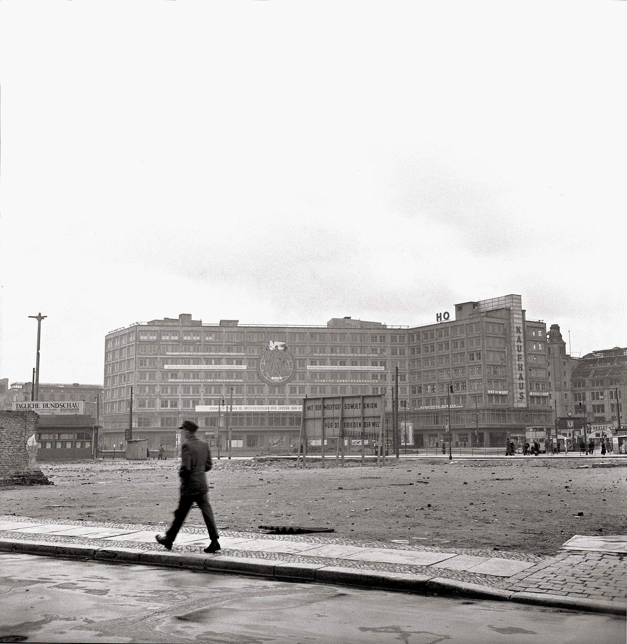 1947. Александерплац.