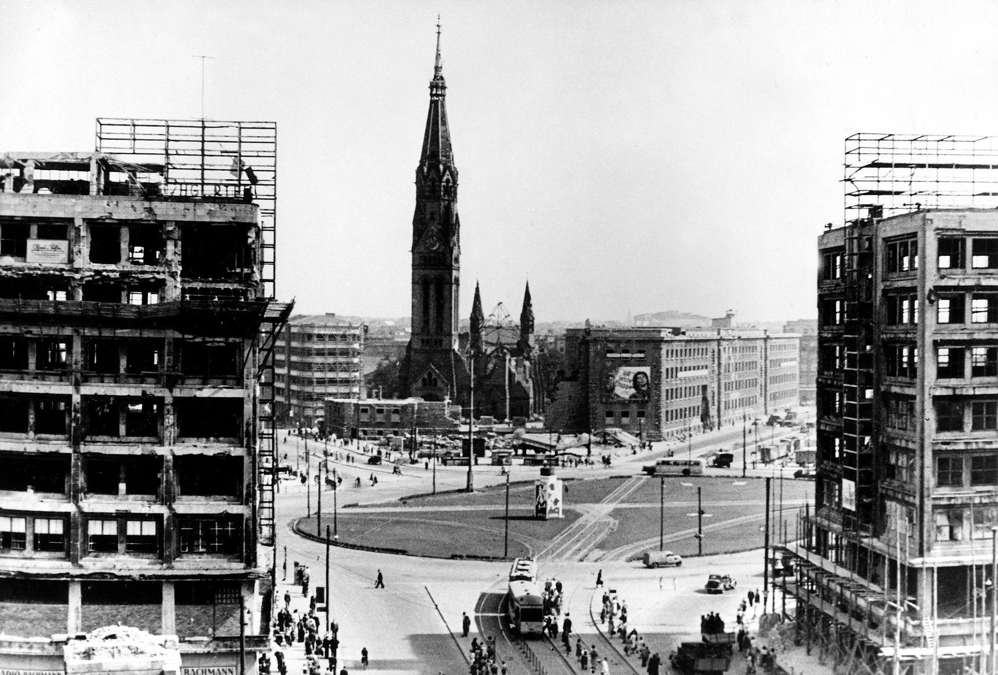 1949. Александерплац