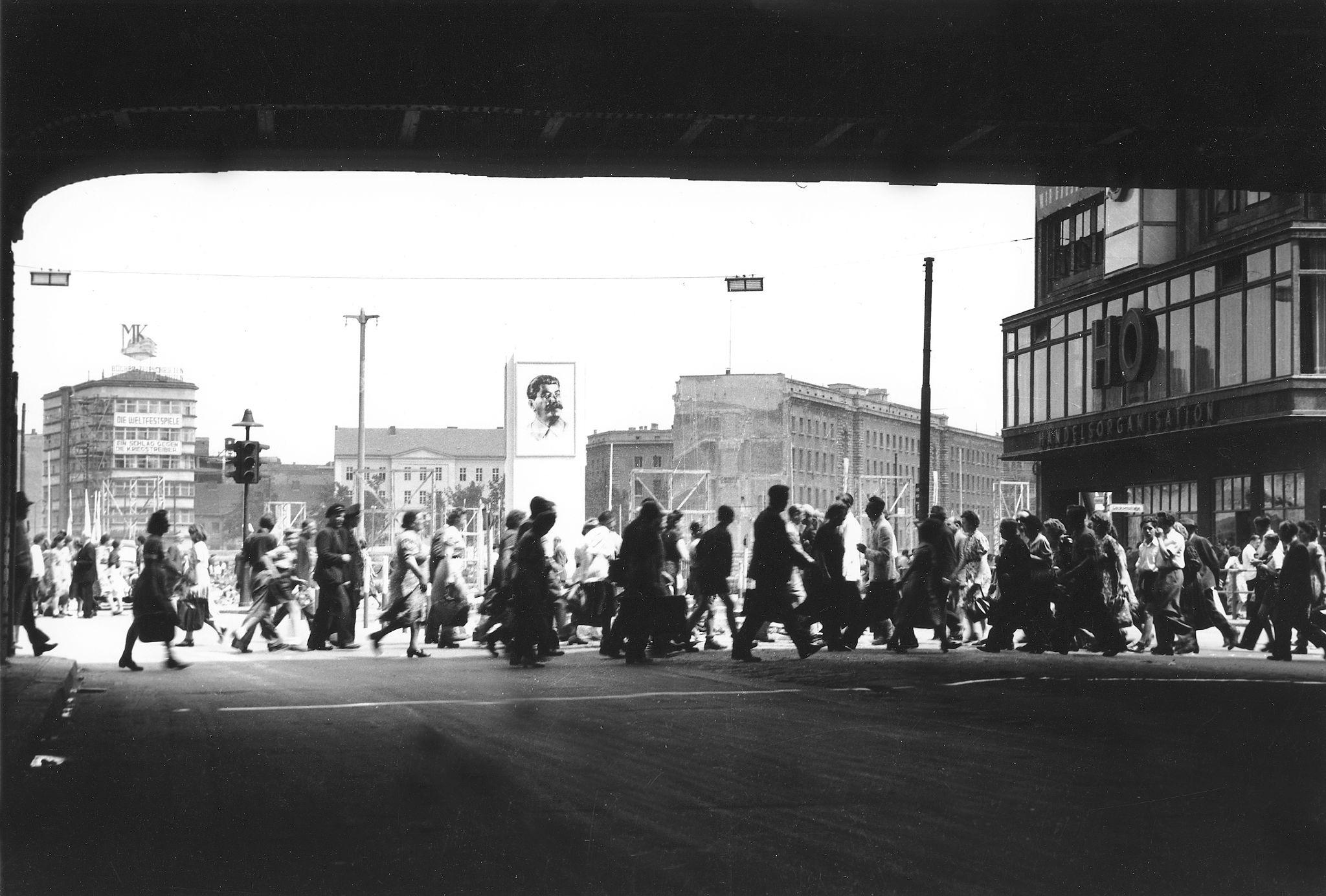 1951. Александерплац