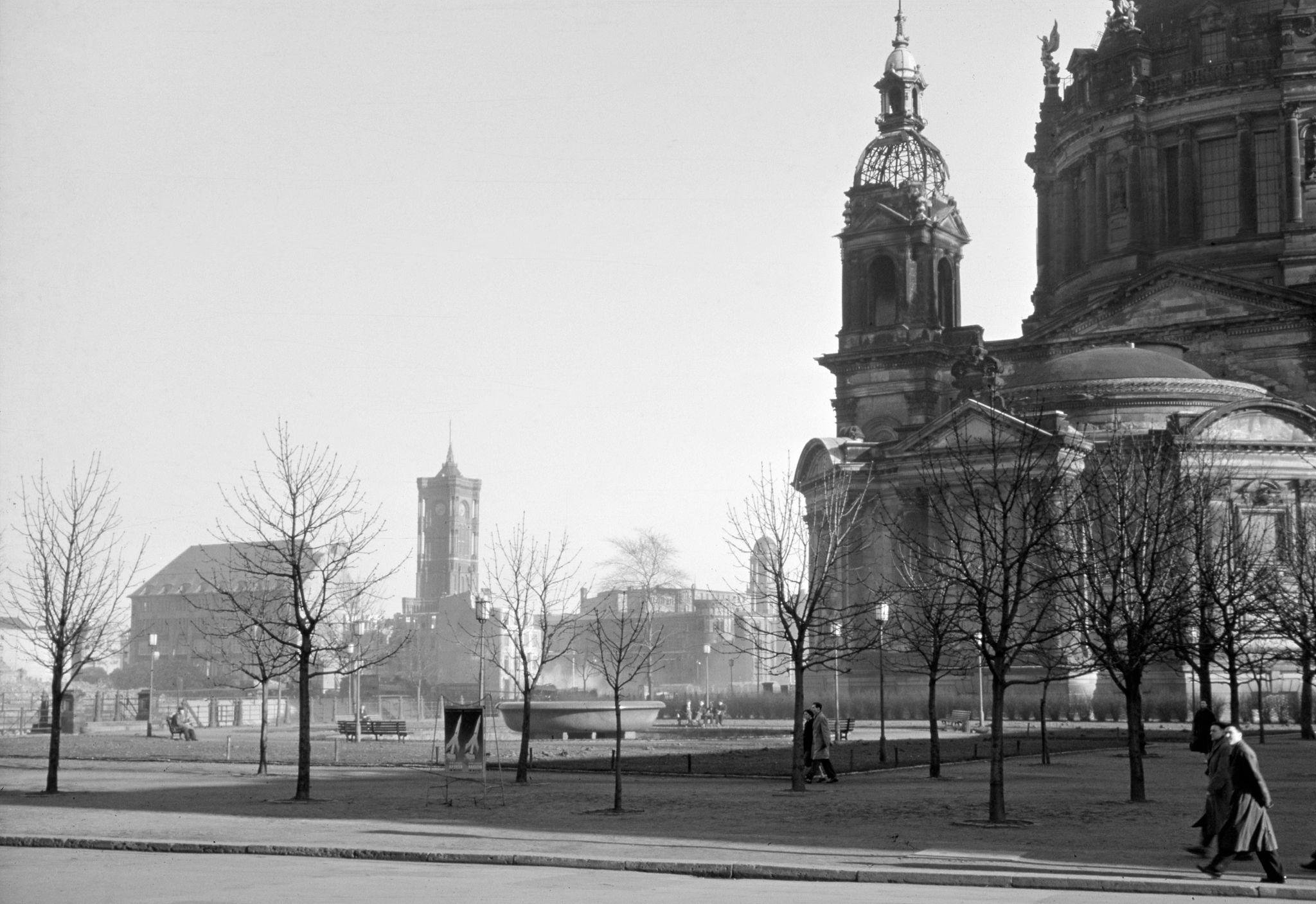 1956. Красная Ратуша