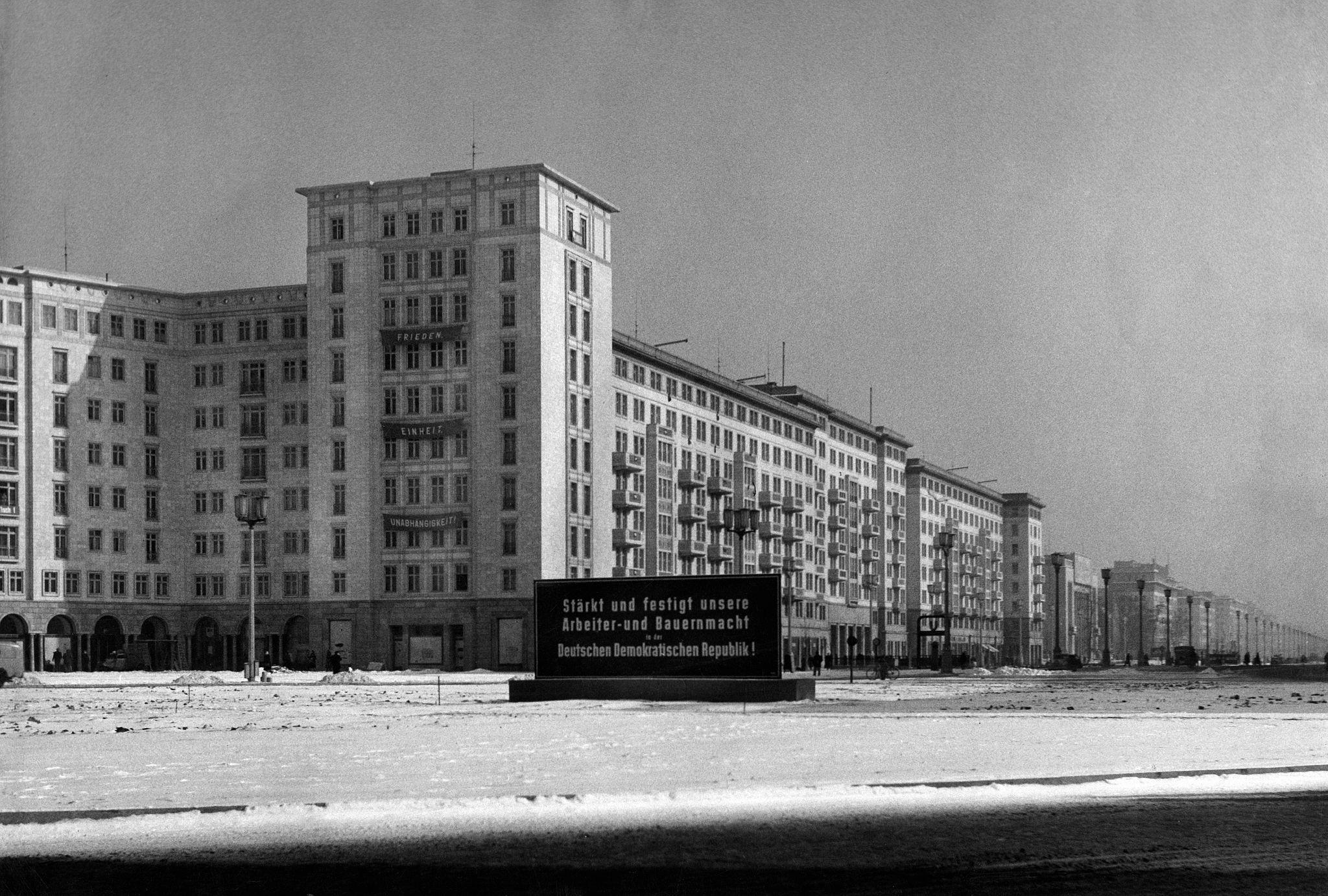 1956. Шталиналлее