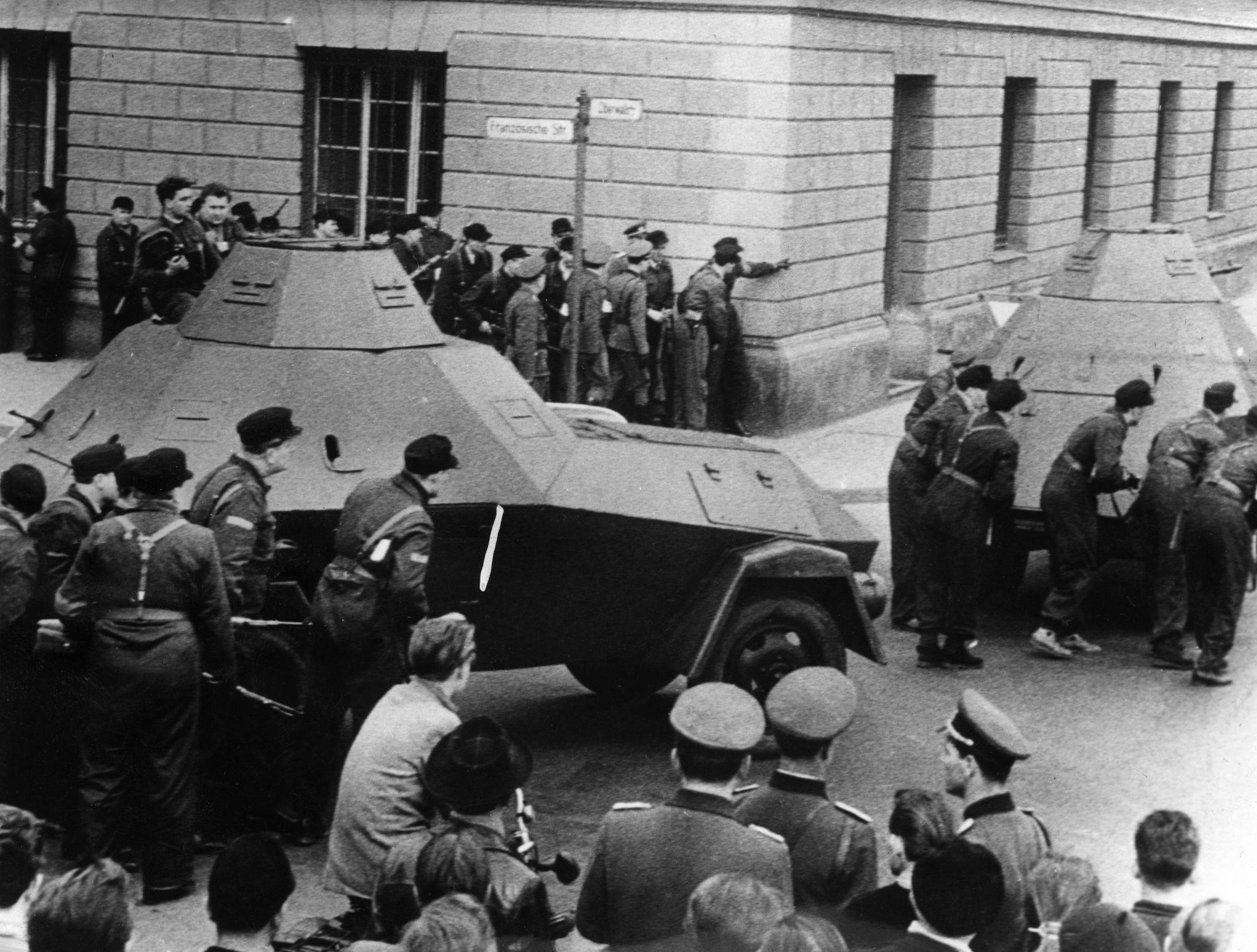 1957. Александерплац. Демонстрация Народной полиции и рабочей милиции 13 апреля