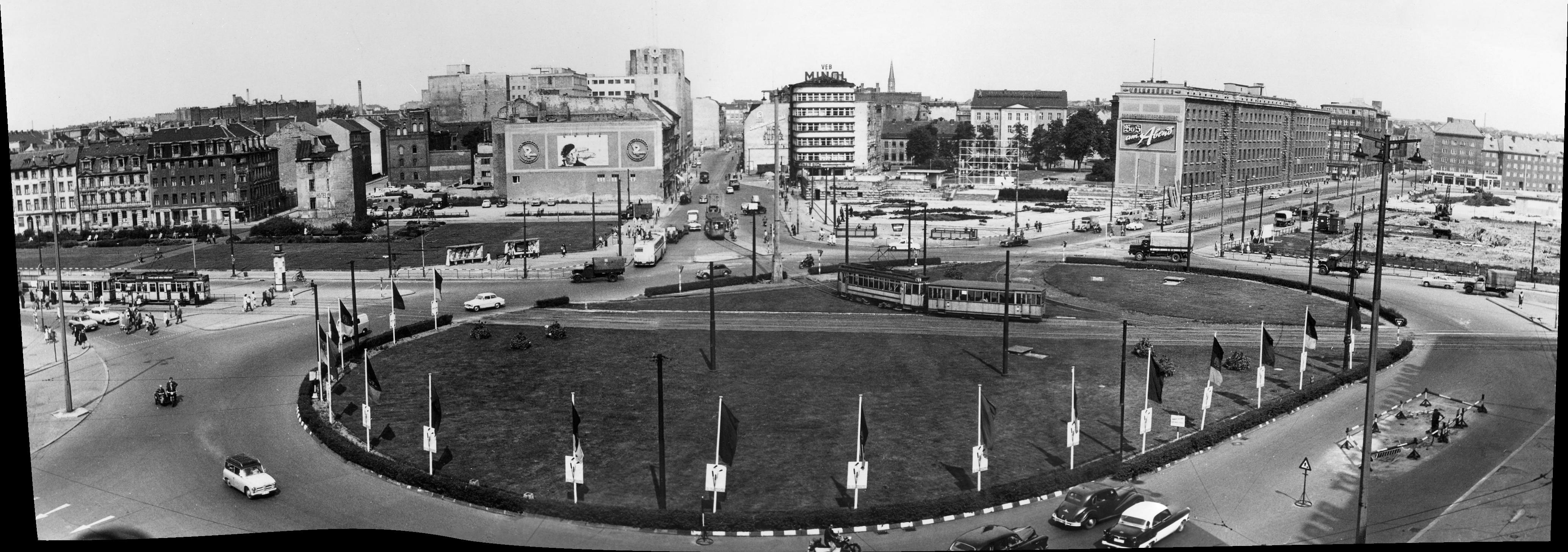 1957. Александерплац