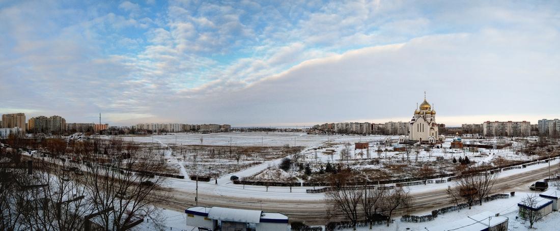 поле в снегу...