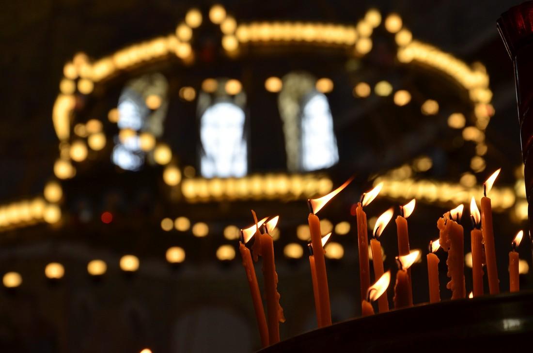 Свечи в Морском храме