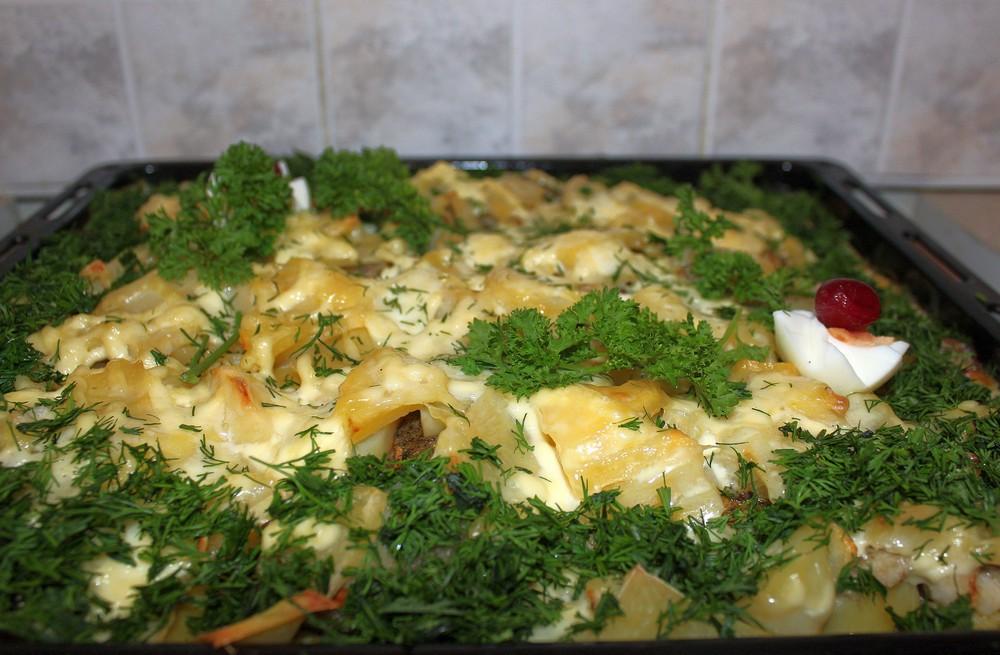 Сом в картофеле