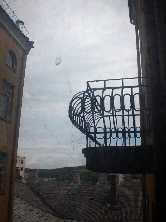 balkonas is laiptines