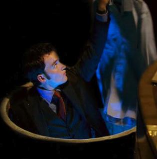 Ianto in Jack's manhole