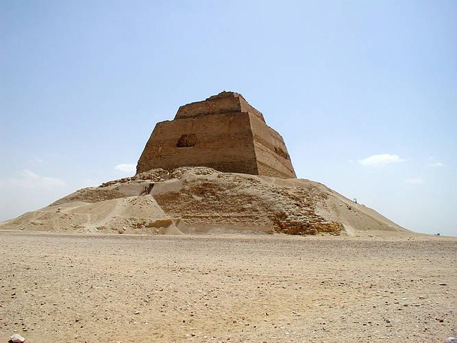 Пирамида в Мейдуме XXVI век до н. э.