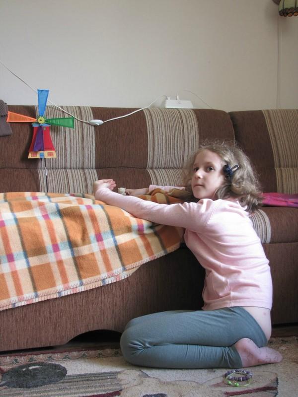 Марианна показывает кукольный спектакль