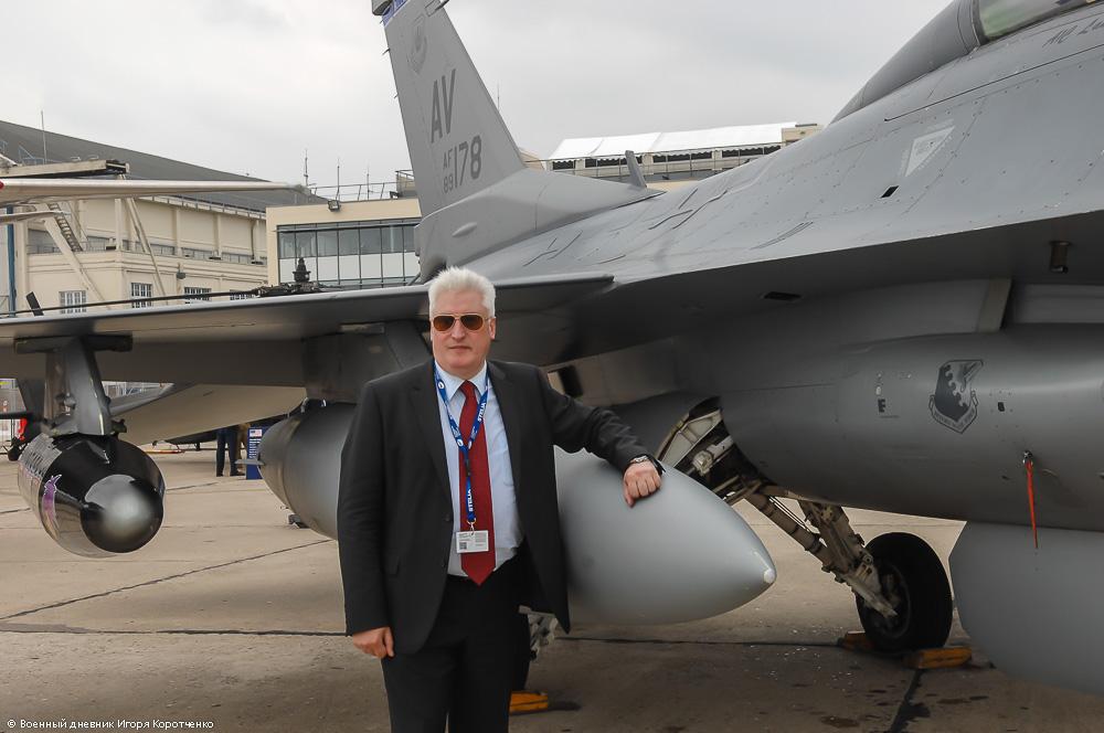 Великобритания усилит военный контингент в Восточной Европе, - министр обороны Феллон - Цензор.НЕТ 5958