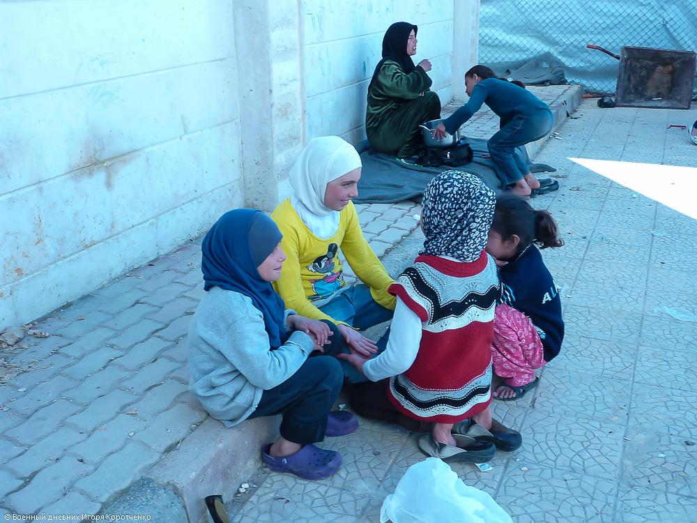Снаружи центра ВПЛ в пригороде Дамаска 4