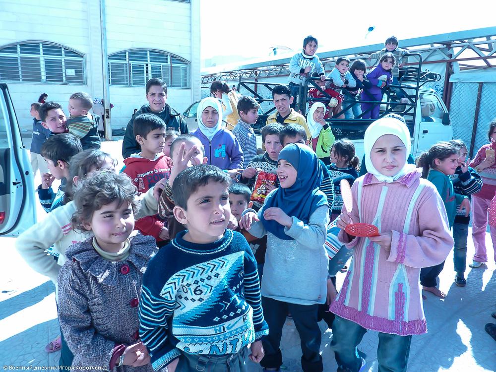 Снаружи центра ВПЛ в пригороде Дамаска 7