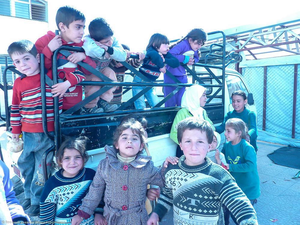 Снаружи центра ВПЛ в пригороде Дамаска 8
