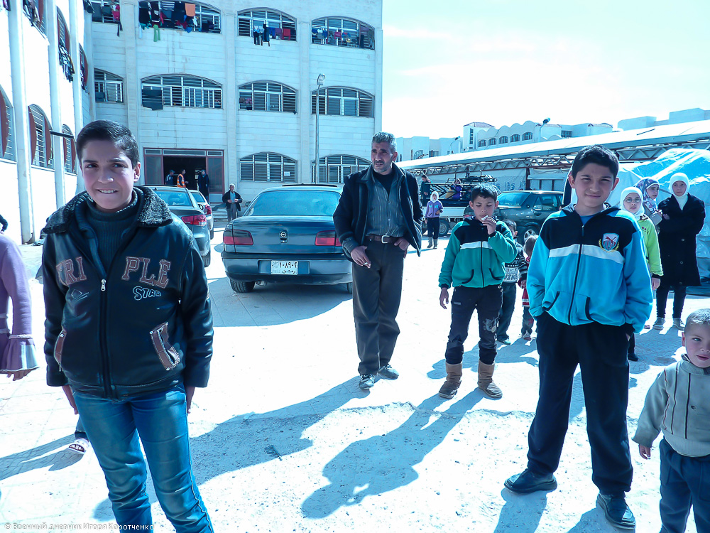 Снаружи центра ВПЛ в пригороде Дамаска