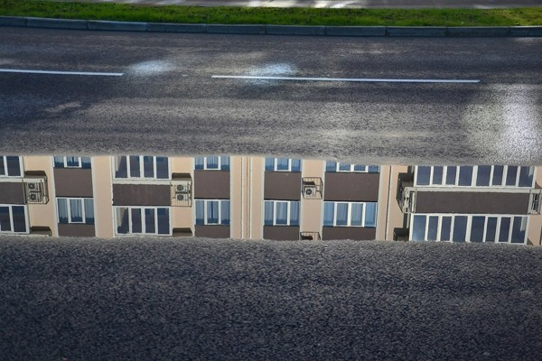 empty-rooms-reflected-in-a-puddle